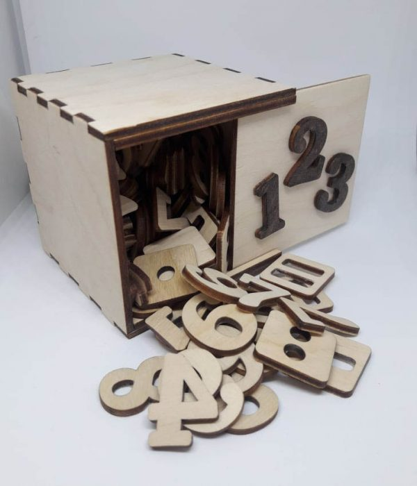 Skaičiukų rinkinys dėžutėje